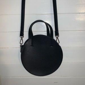 UO black circle bag with handles